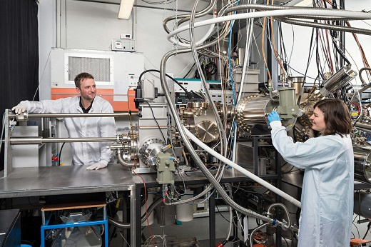 CAPTION Benedikt Mayer and Lisa Janker are at the molecular beam epitaxy facility at the Walter Schottky Institute, Technical University of Munich. CREDIT Uli Benz / TUM