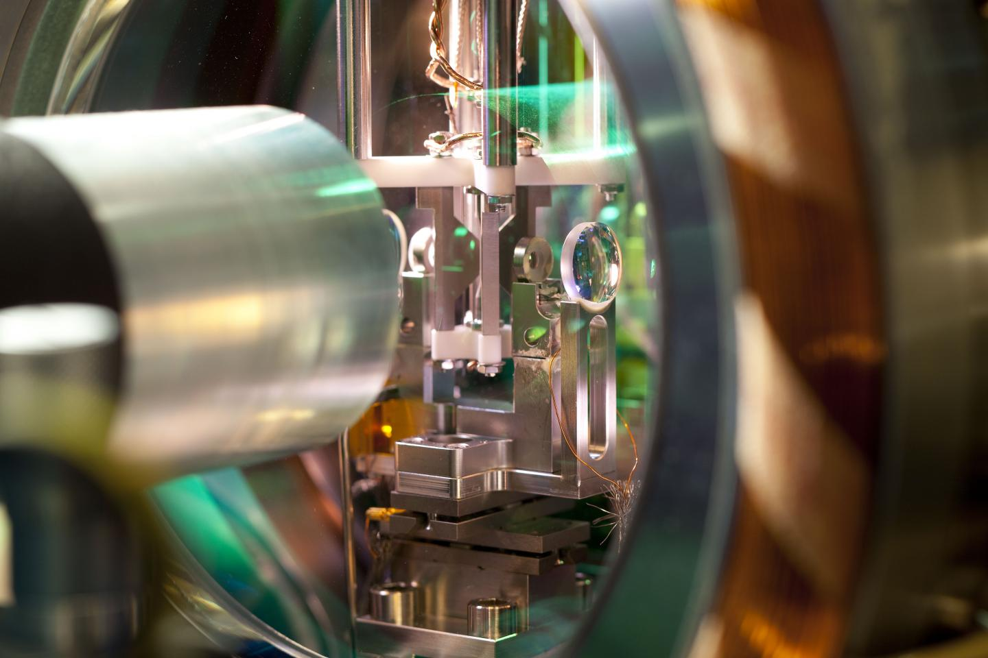 This is the experimental apparatus in which the researchers demonstrate a quantum interface.   Credit  IQOQI/Lackner