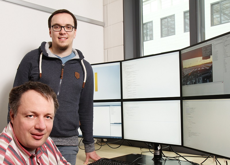 Researchers in Kaiserslautern, Dr. Thomas Kuhn (left) and Matthias Jung, developed a simulation method to verify in what combination hardware and software systems function correctly together. Credit: Thomas Koziel